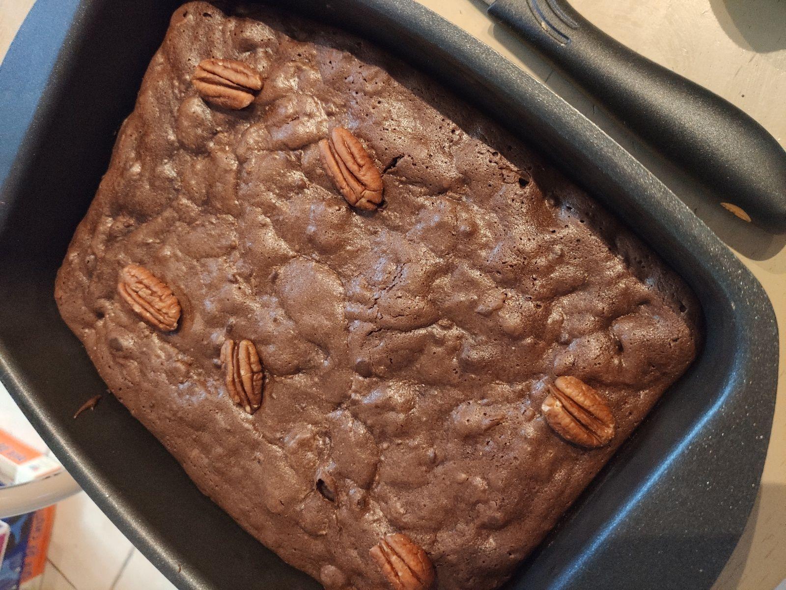 Mon brownies maison sans gluten à la farine de châtaigne et sarrasin aux noix de pécan ( cake factory).