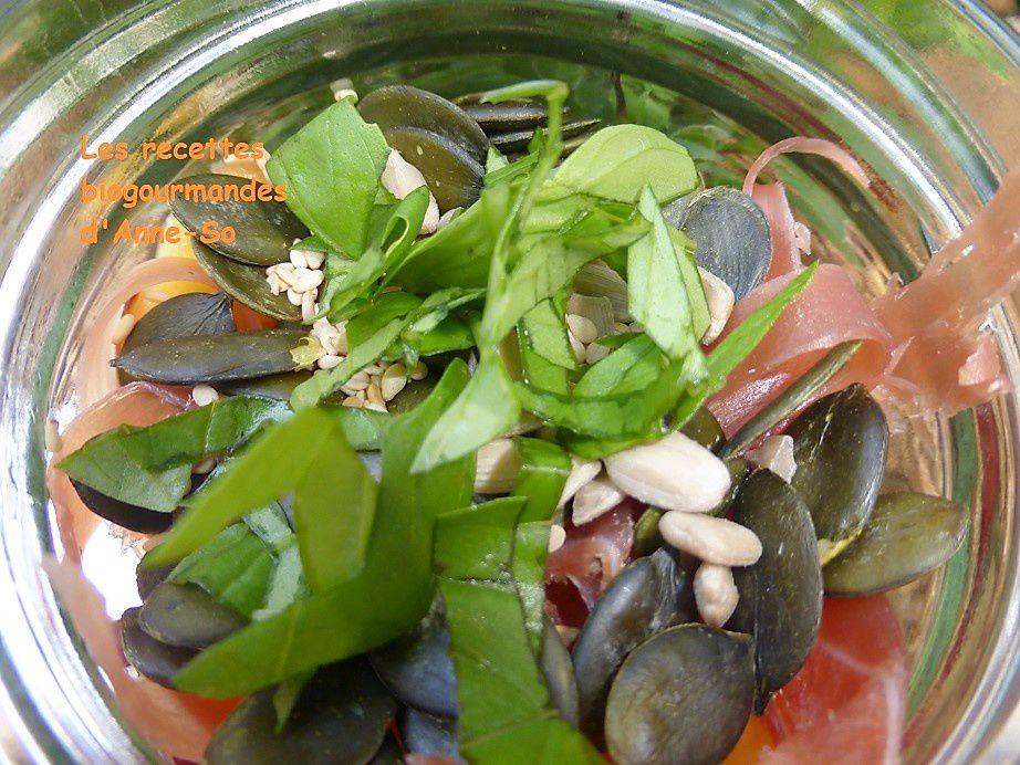 Salade d'été aux nectarines, jambon de Bayonne