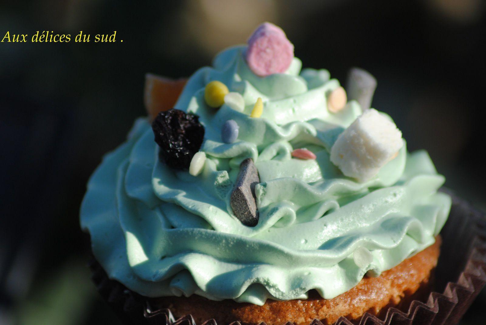 Cupcakes surprise au coeur de fraise  .