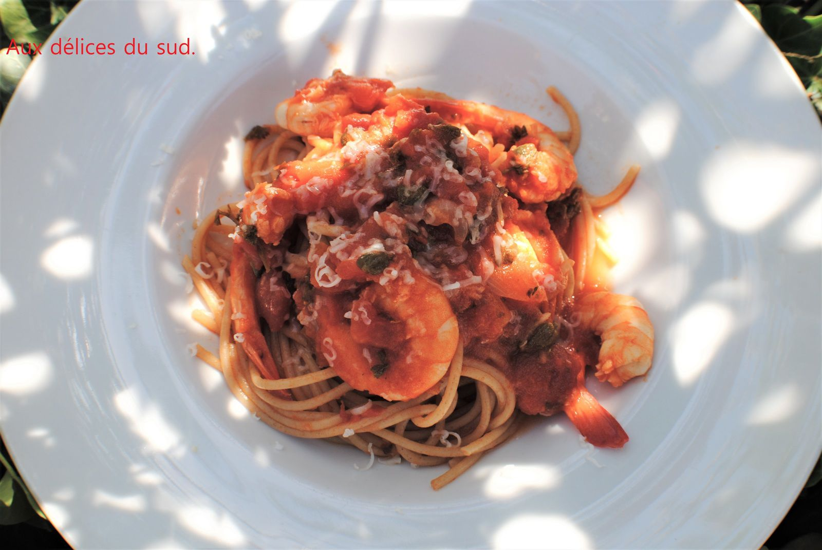 Spaghetti aux crevettes .