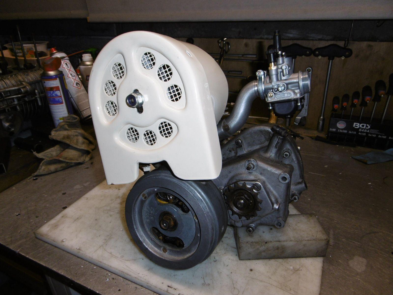 Remise en état moteur Peugeot Triporteur 3 vitesses.