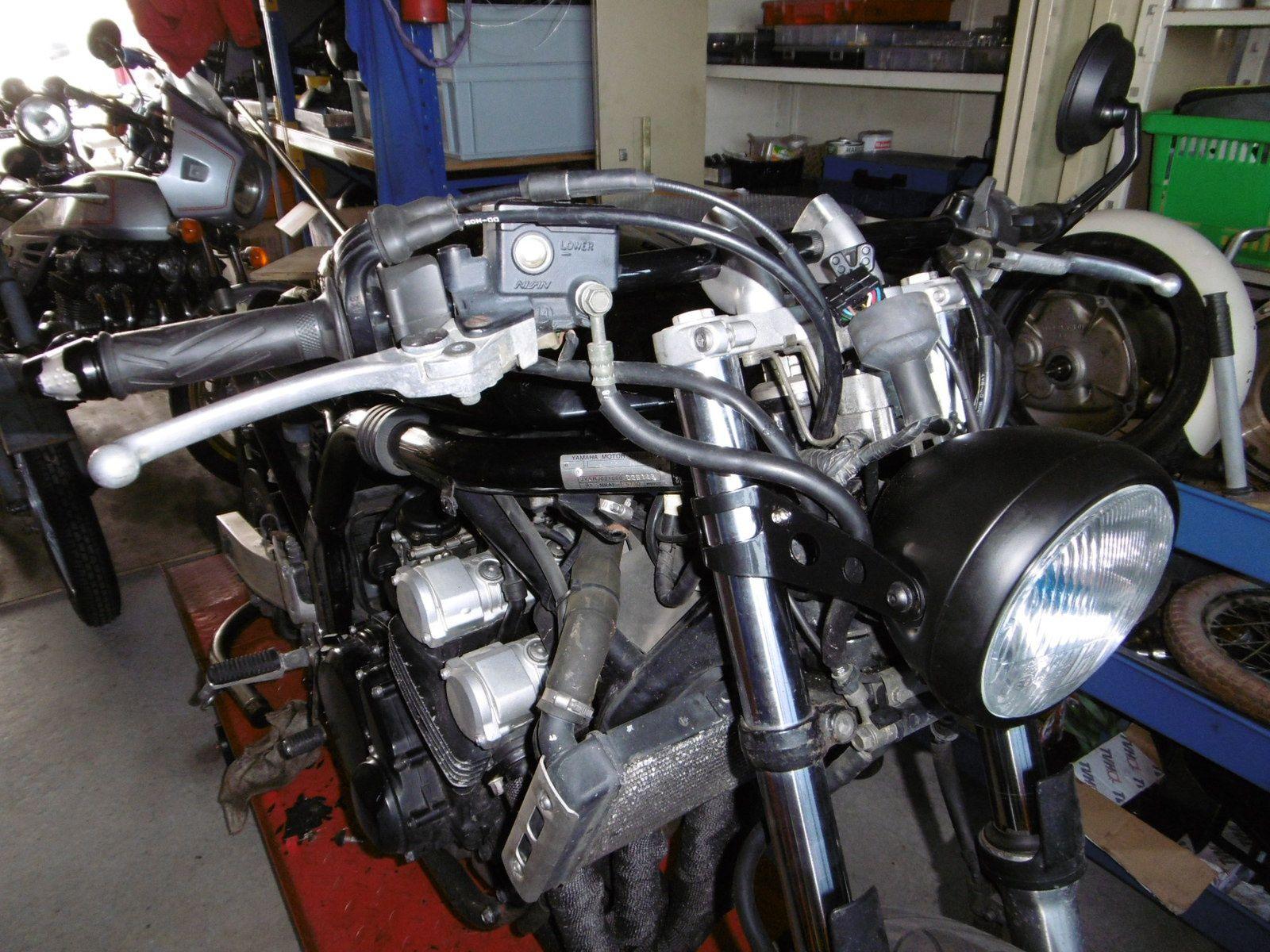 Yamaha Fazer 600 modifié avec Antoine ;)