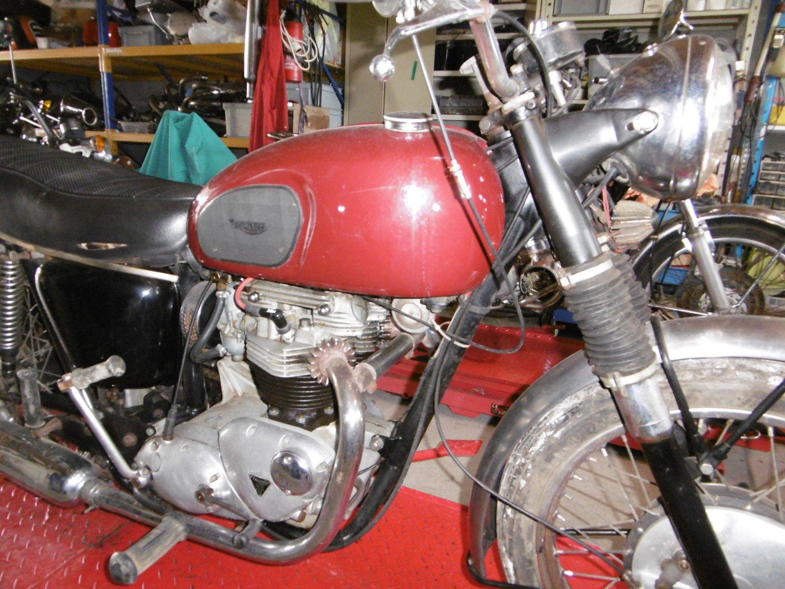 TRIUMPH 6 T DE 1966 Terminée