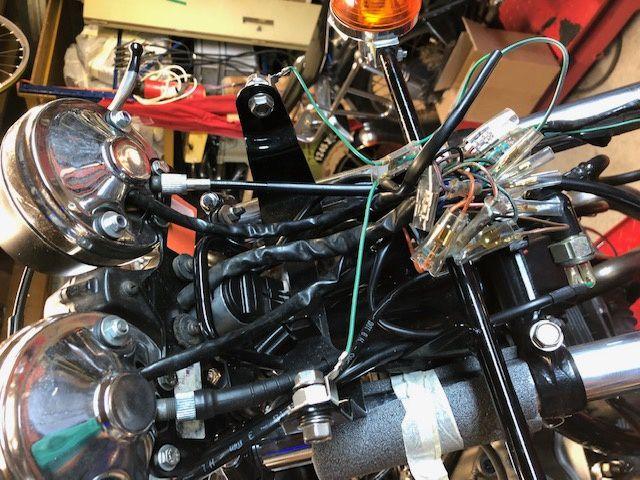 HONDA CB 750 F1 .. SOUCIS ELECTRIQUE