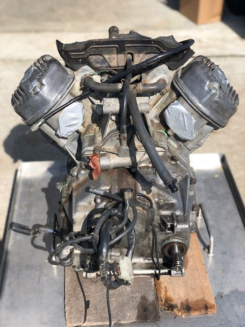 MOTEUR HONDA CX 500 A REMETTRE EN ETAT