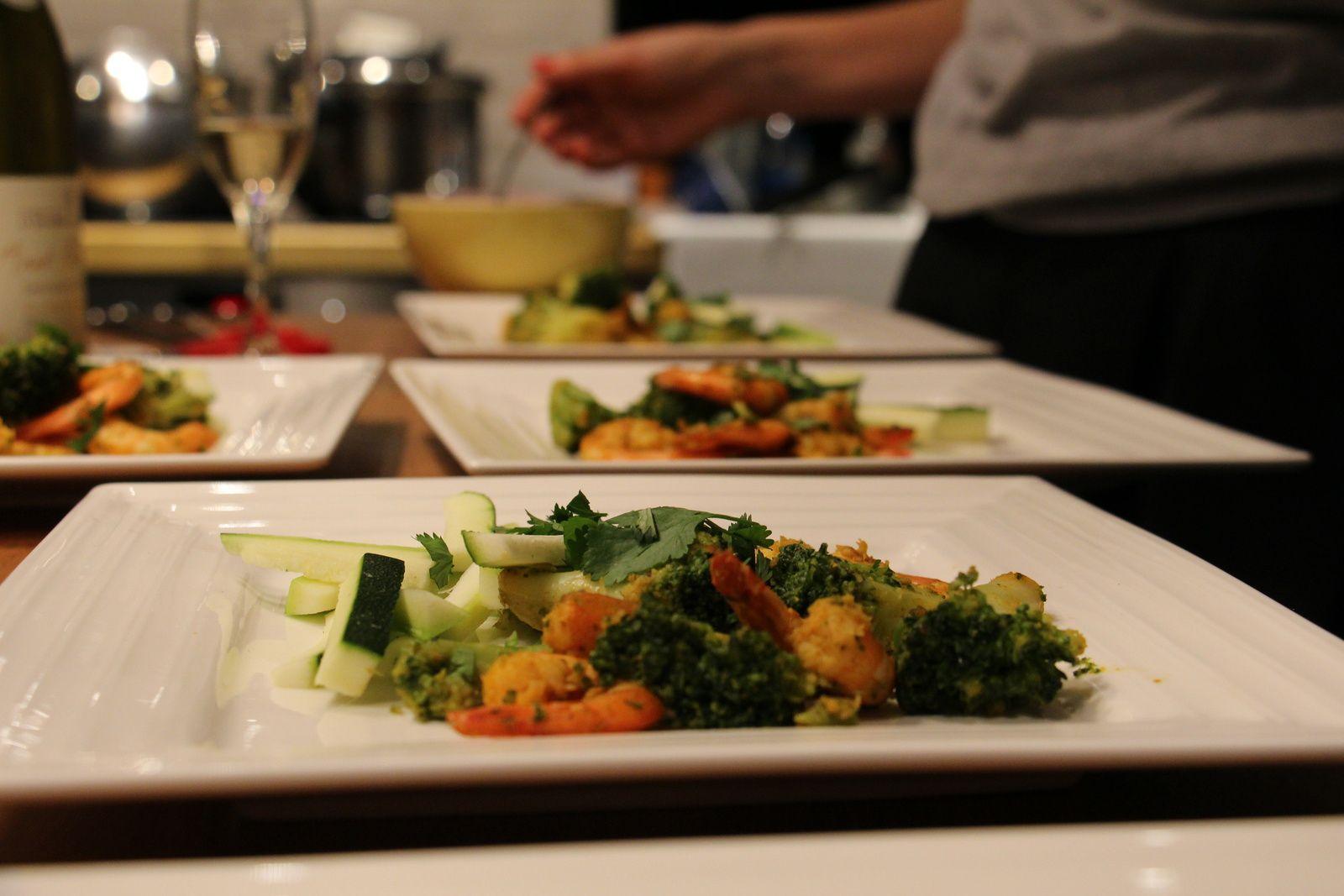 La salade de lulu : crevettes marinées,brocolis et courgettes, sauce aigre douce