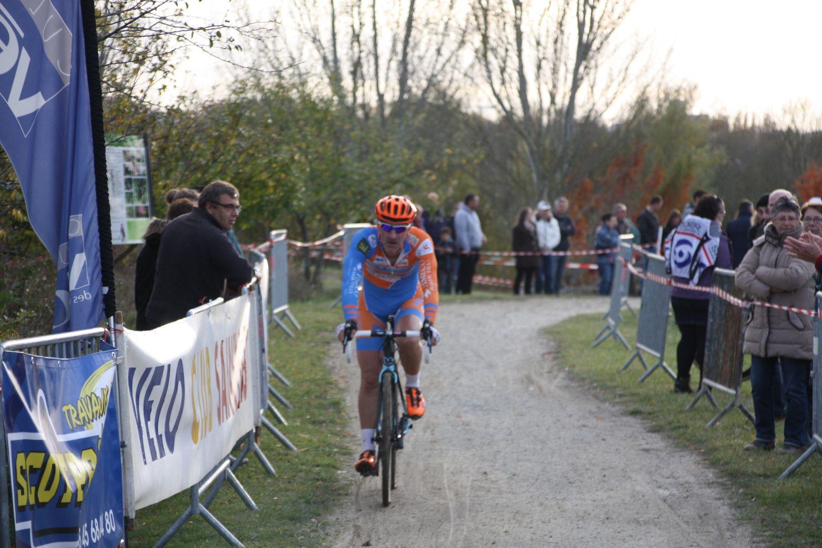 14e  David  CRON(UVA), 15e  Patrick  BREGIERE (EC 3M), 17e  Julien  RANSINANGUE(VCCO), 20e  Leo  MOINET(VCC  Marennes).