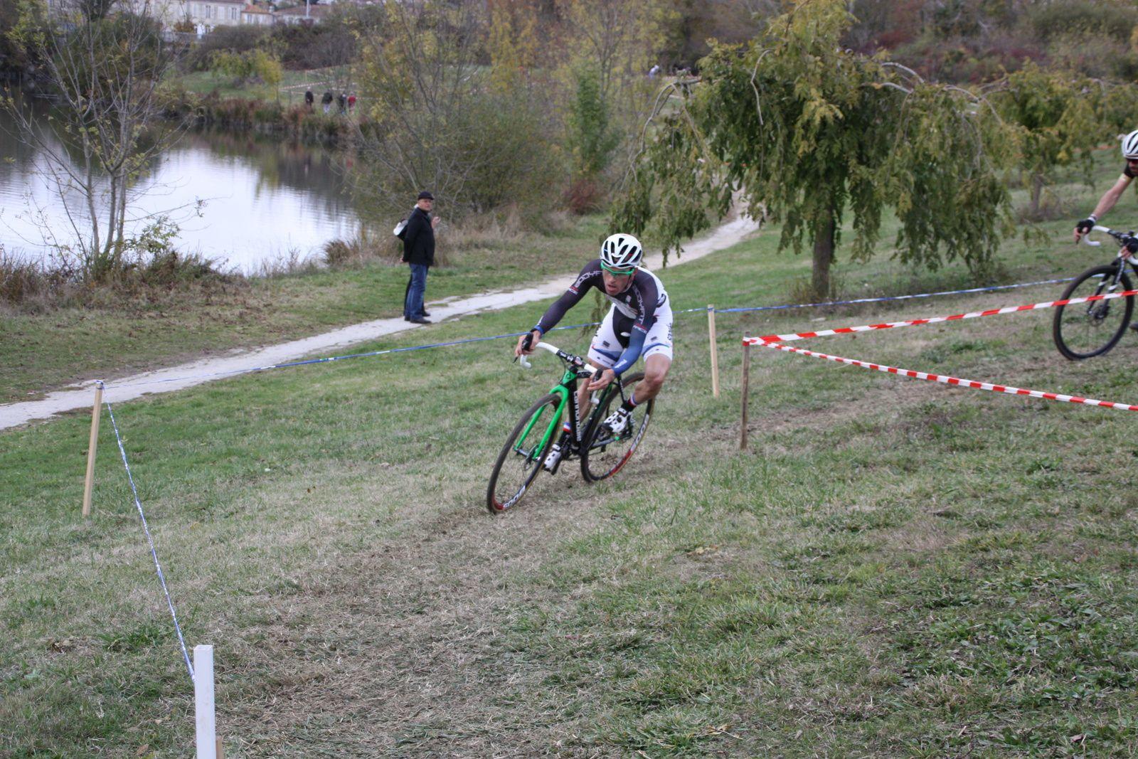 Jacques  ABSIROR  prend  la  3e  place
