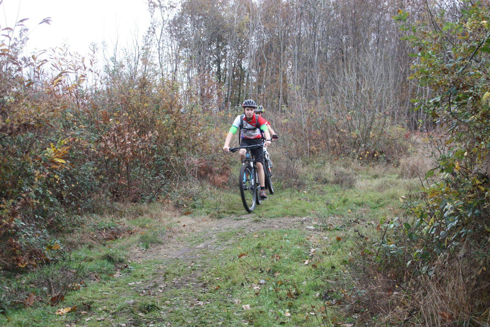 Les  licenciés  de  l'Avenir  Cycliste  étaient  présent  sur  la  randonnée  VTT