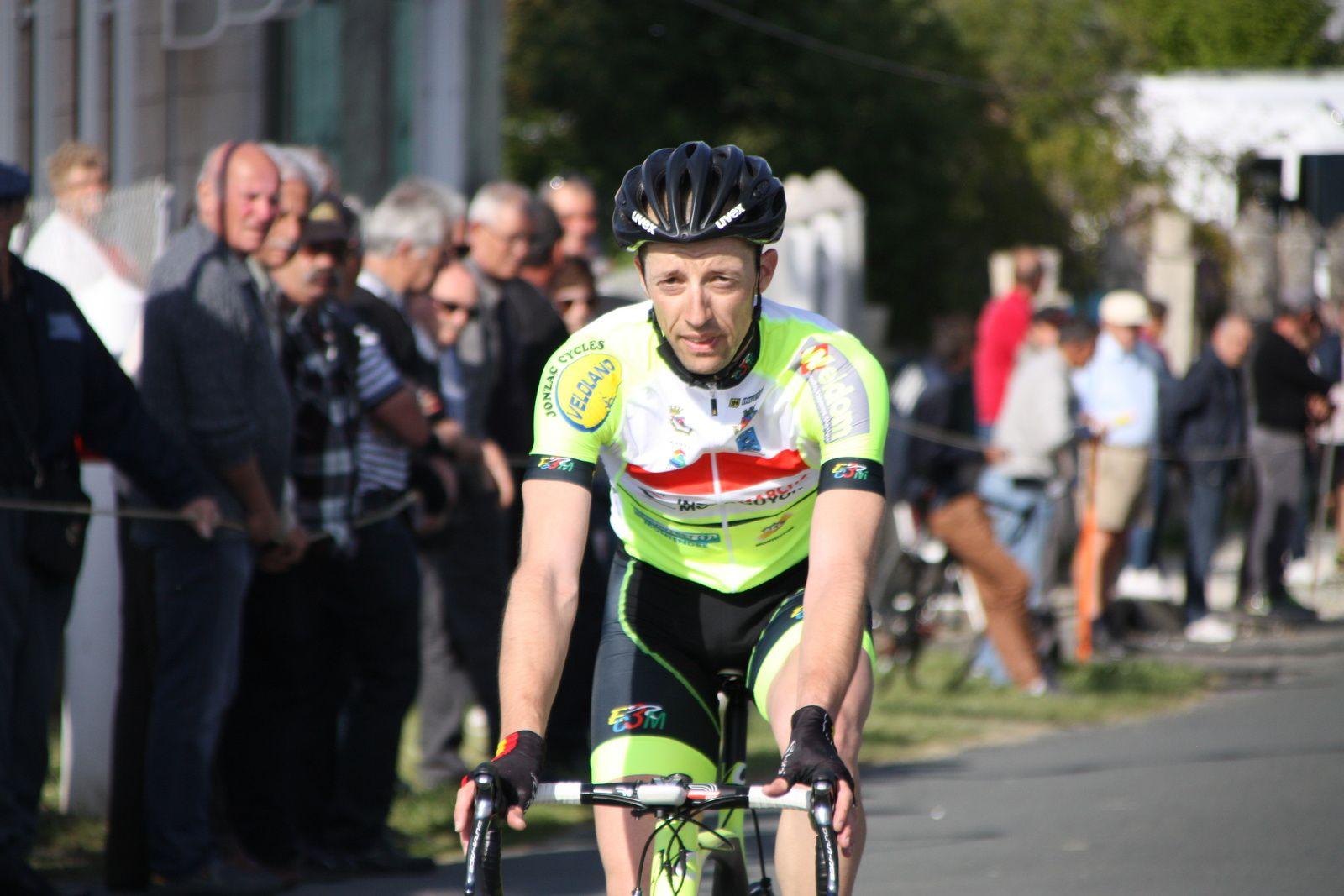 Victoire  pour  Cyril  BASTIERE(EC 3M)