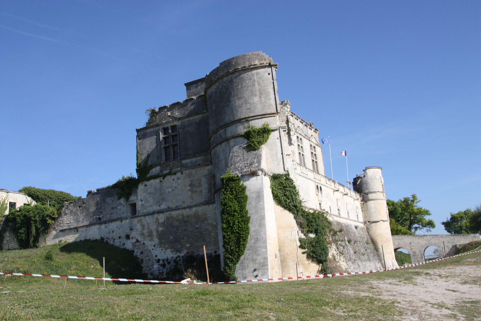 Le  chateau  de  Bouteville  était  le  cadre  du  TRJV  dimanche.
