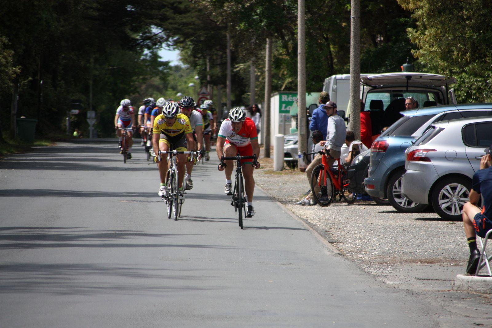 Dans  ce  3e  tour  Hervé  BREQUE  et  Rodolphe  VILOTTE  ont  tentés  une  sortie