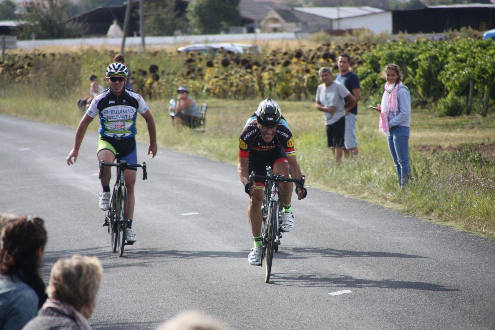 L'arrivée  et  la  victoire  pour  Jean-Pierre  BARDET , la  2e  saison.