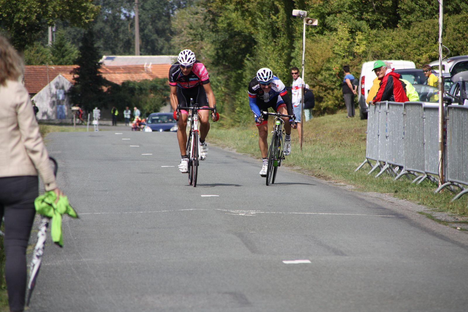 2e  Jean-Yves  MICHAUD(VC  Rochefort), 3e  Christophe  DAVIAUD(R  Guataise)