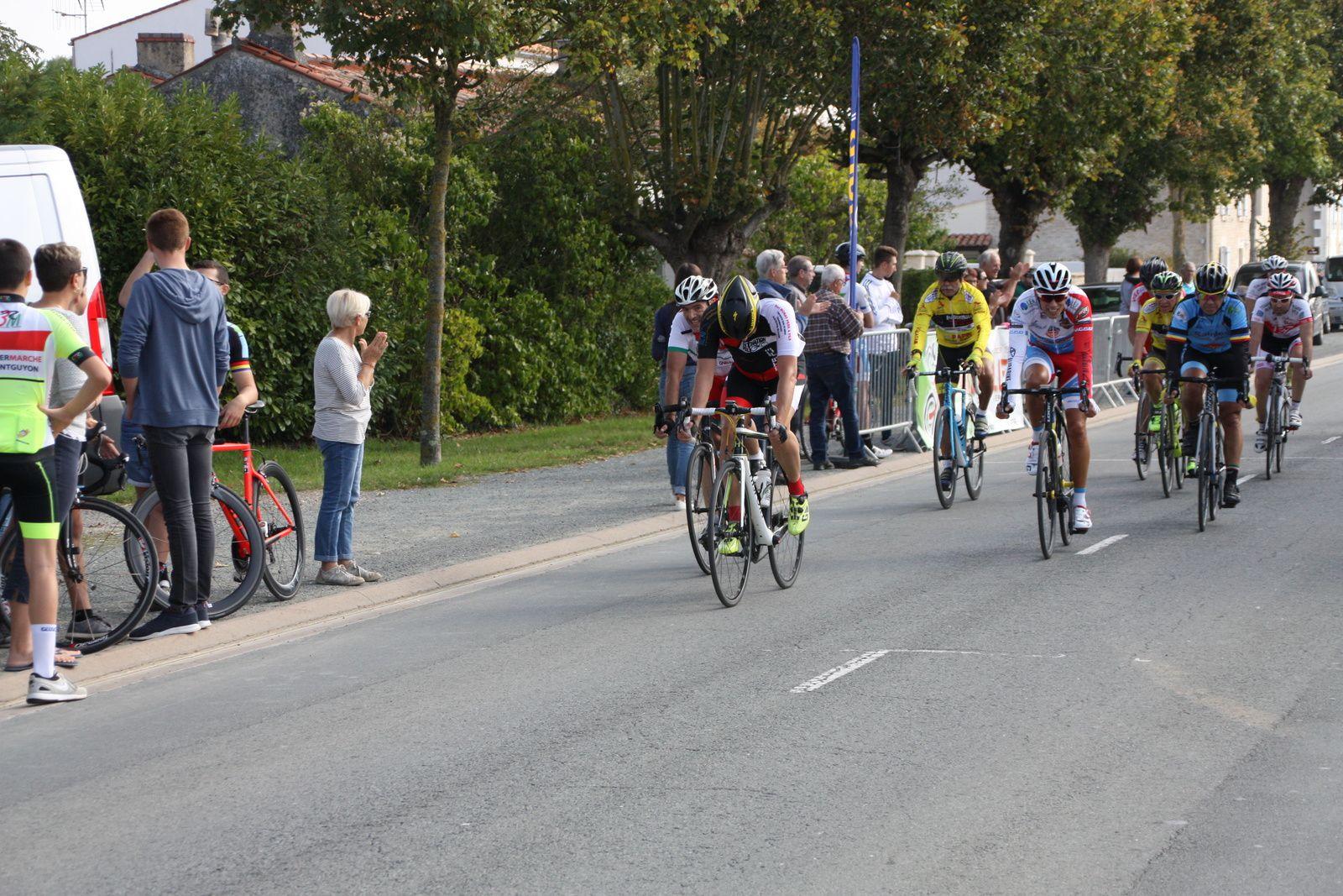 6e  , 7e  Hervé  BREQUE(AC Nieul les Saintes), 8e  , 9e  Philippe  LECHEVALIER(VC  Saintes), 10e  Jean-Claude  VERREKEN(VC  Le Gua).
