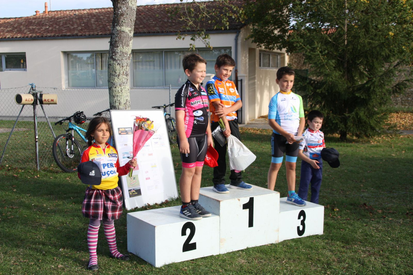 Le  podium  Poussins