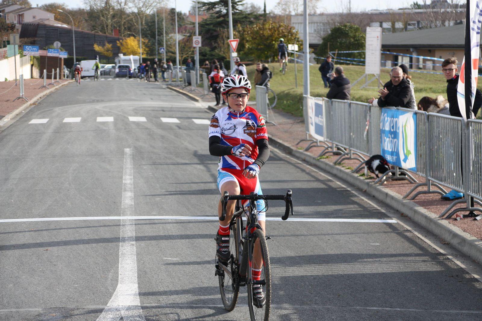 Victoire  pour  Julien  BENOIT(VC  Charente-Océan)