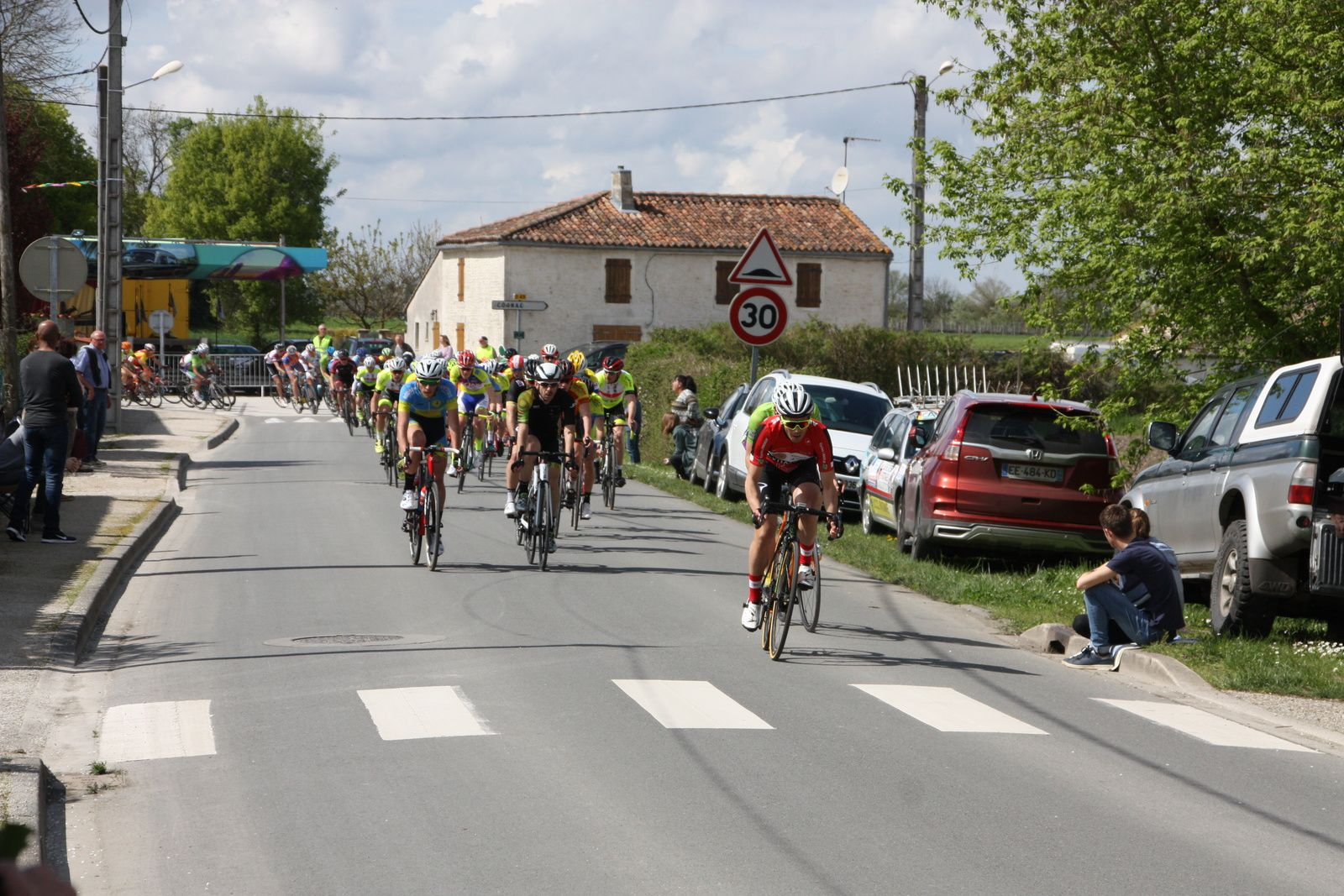 Laurent  PINEAU  emméne  à  l'issue  du  1er  tour