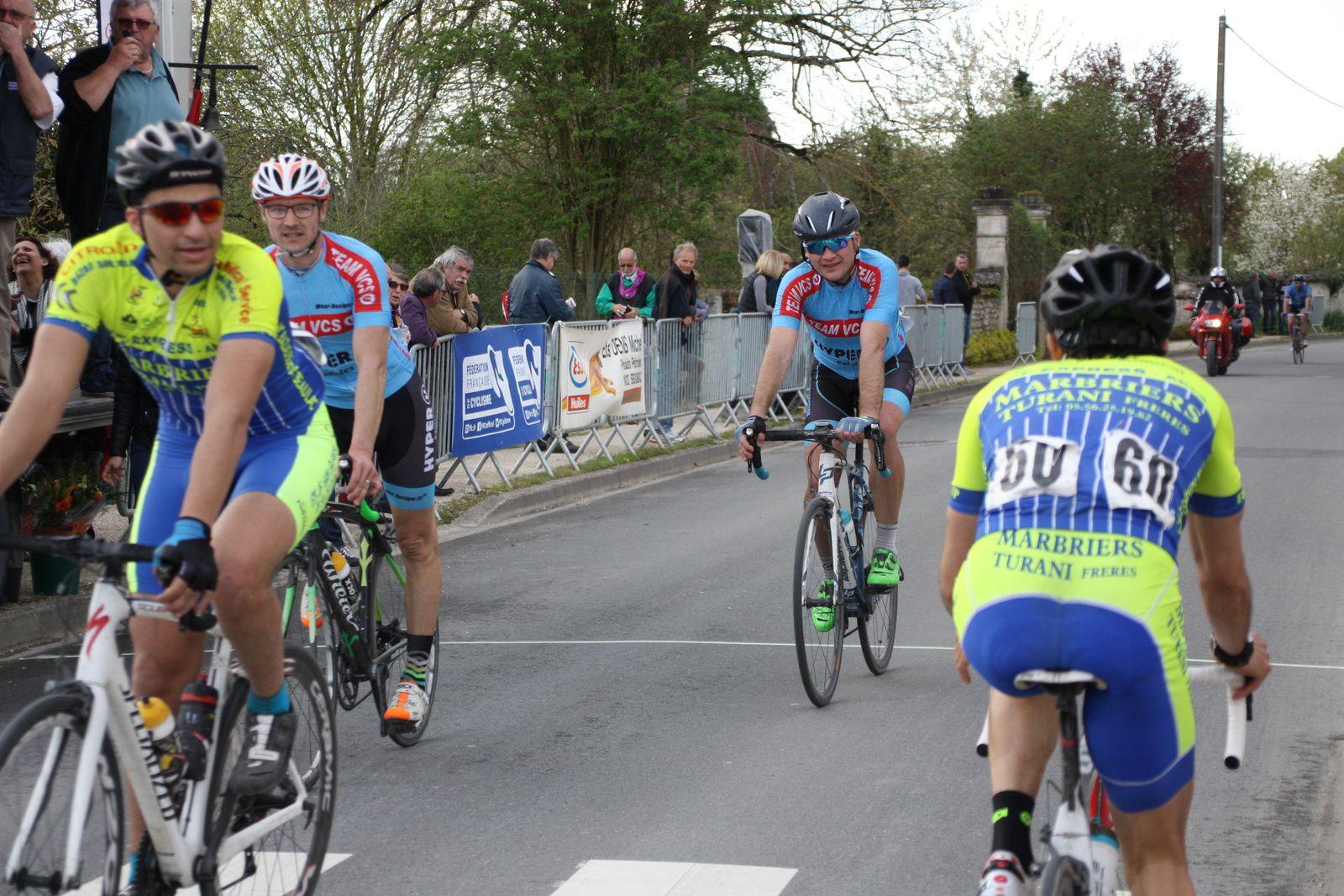 72e  Sébastien  SUBRA(VC  Saintes), 73e  Christophe  VEILLON(VC  Saintes)