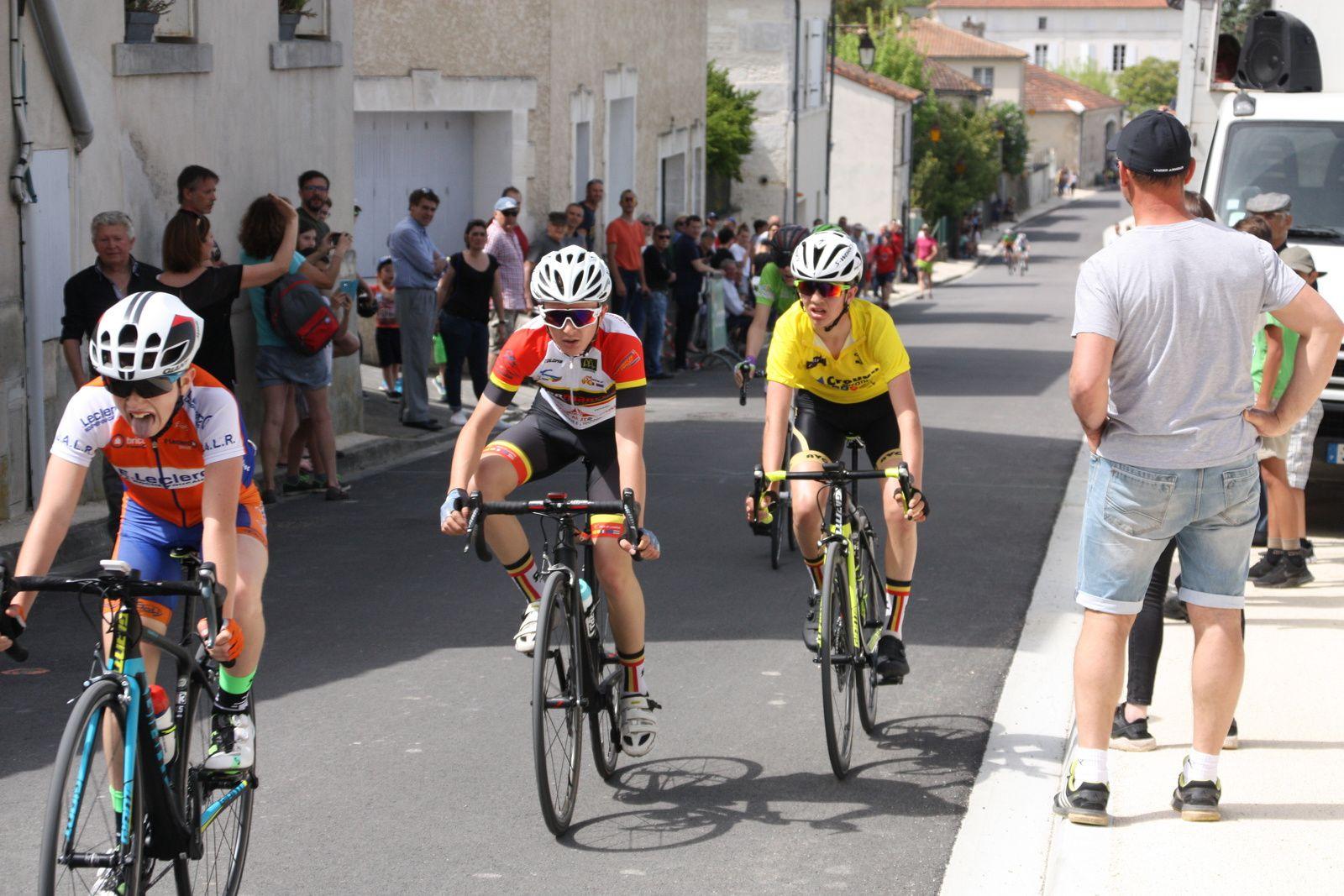 3e  Lucas  MARELLI  BALANDIER(UA La Rochefoucault), 4e  Colin  JOURDAN (VC  Pays de Langon), 5e  Victor  HUCTEAU (Angouléme  VC), 6e  Mathias  VERDOUX ZORZOLI(CO La Couronne), 7e  Romain  ROSELLO(Côte de Beauté C)