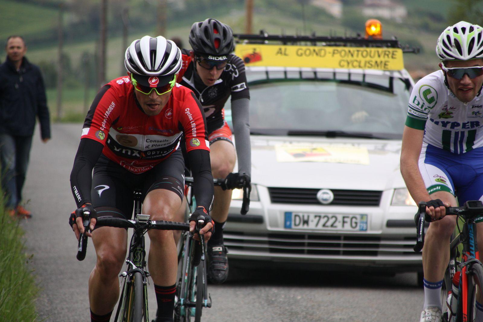 Le  coureur  du  CAM  Bordeaux  est  repartit  seul