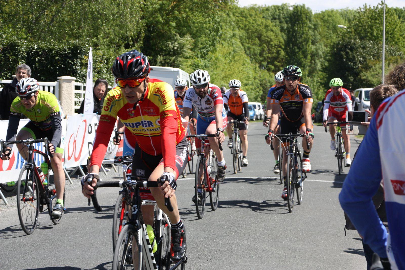 12e  Vincent  FAUBERT(UCC  Vivonne), 13e  Sébastien  AIGRON(VC  Charente-Océan), ),
