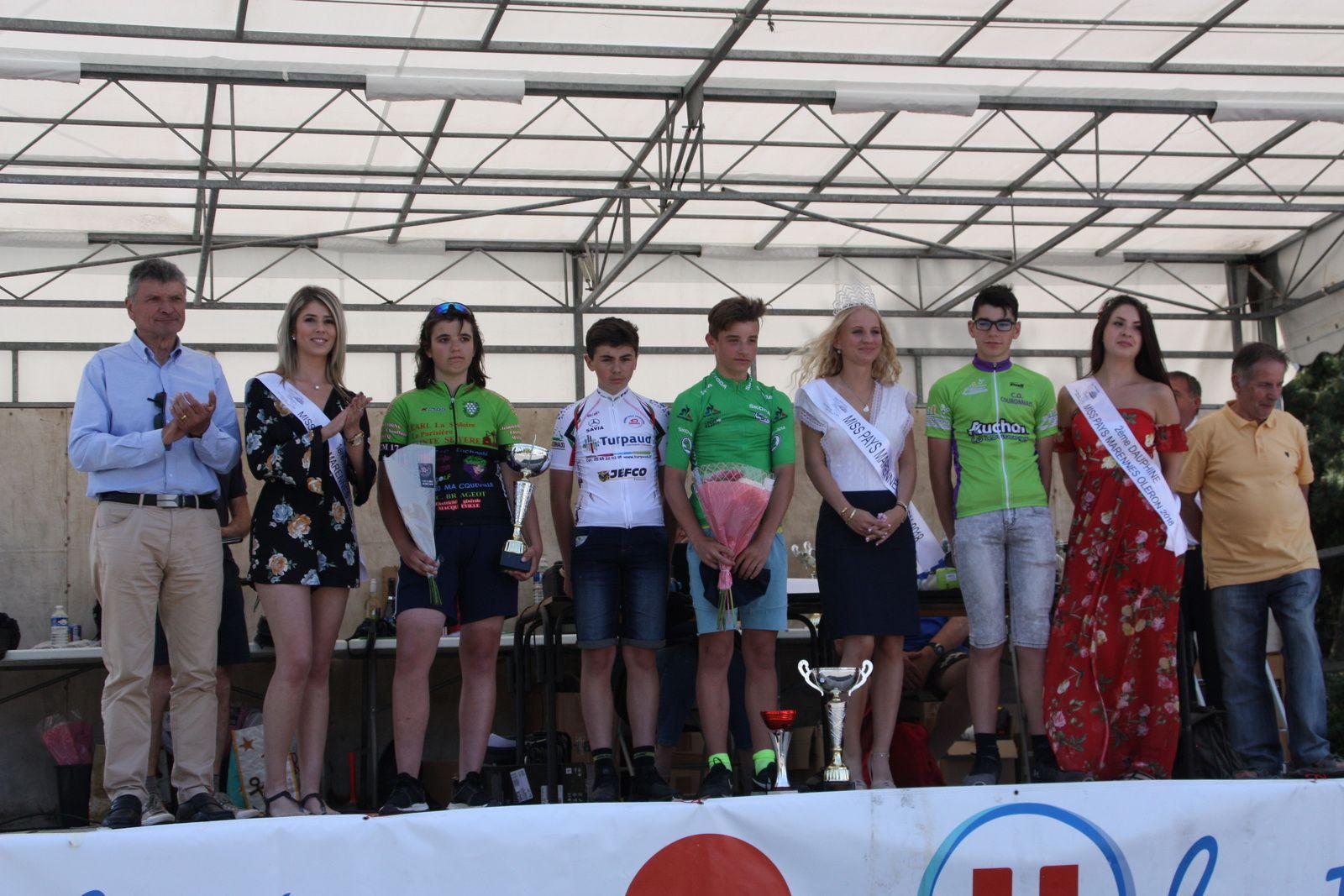 Le  podium  avec  la  1er  fille