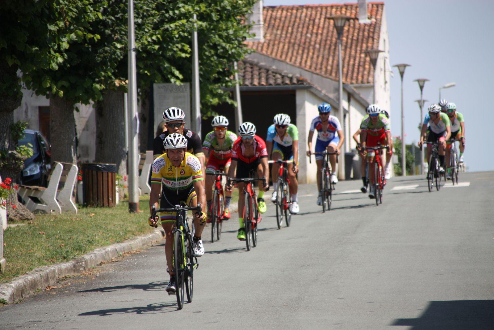 Passage  à  St  Sulpice , ils  sont  12  en  tête  dont  les 3  champions  départementaux.
