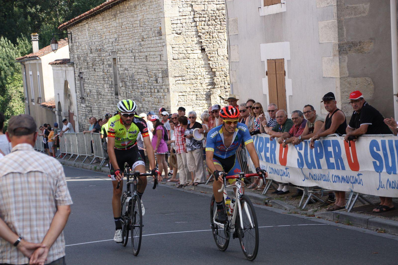 14e  Damien  DELOMME(TC  Chateaubernard), 15e  Alex  MOLIN PRADEL(VC  Rodez)