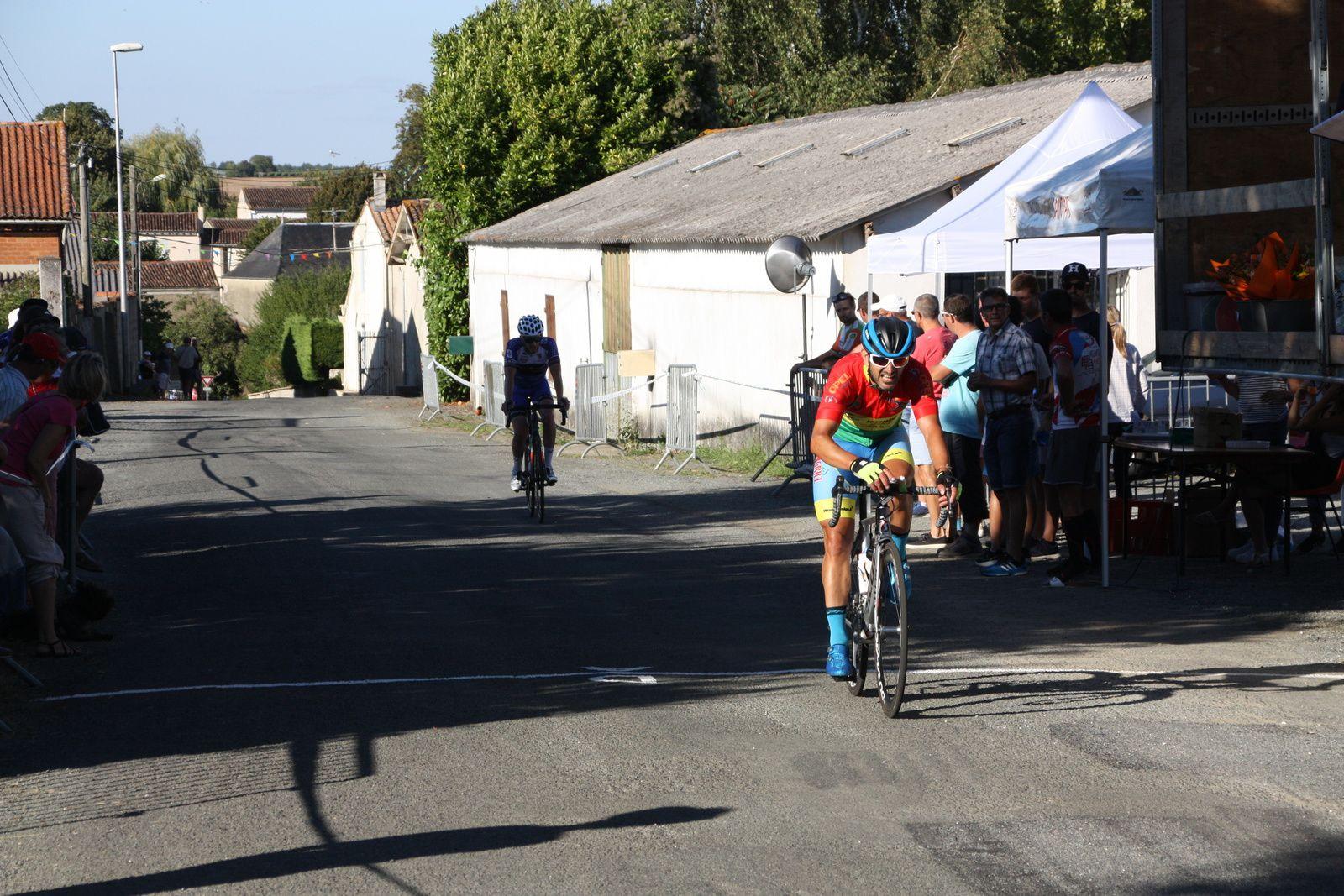 7e  Romain  BIRAUD(UCC  Vivonne), 8e  Stéphane  DURAND(AC  Nersac), 9e  Ludovic  VASSEUR (US  Gravelinoise)
