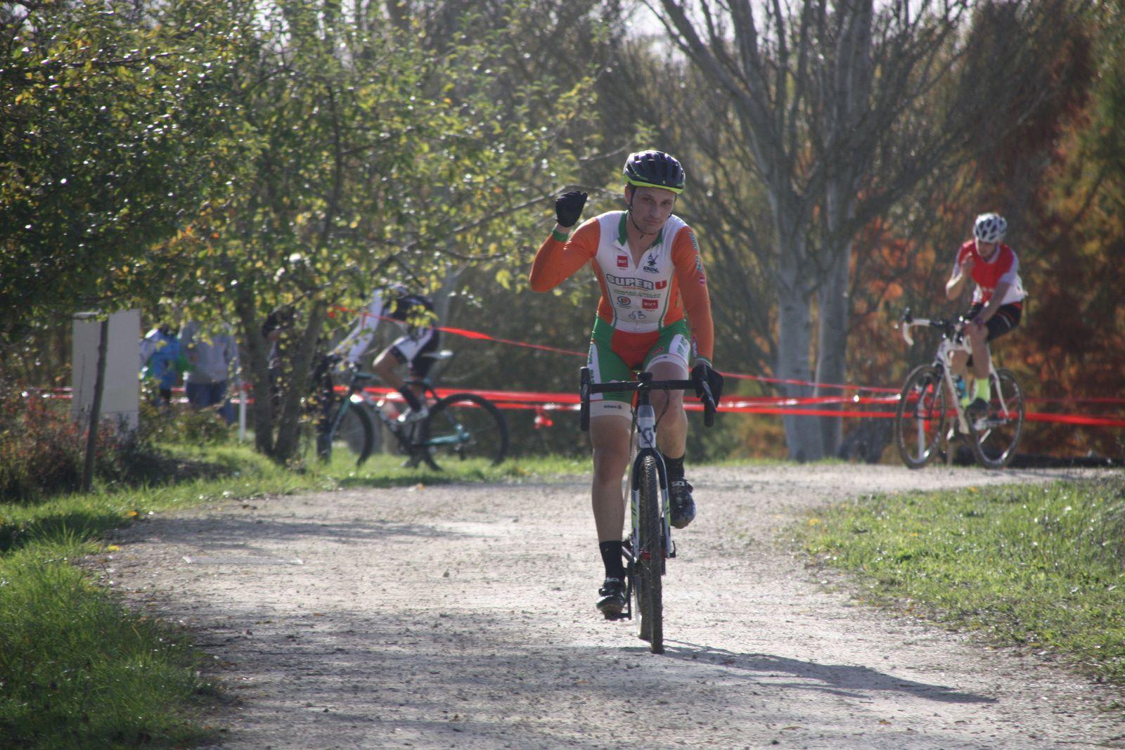 L'arrivée et  la victoire  pour  Nicolas BONNIN(NL)