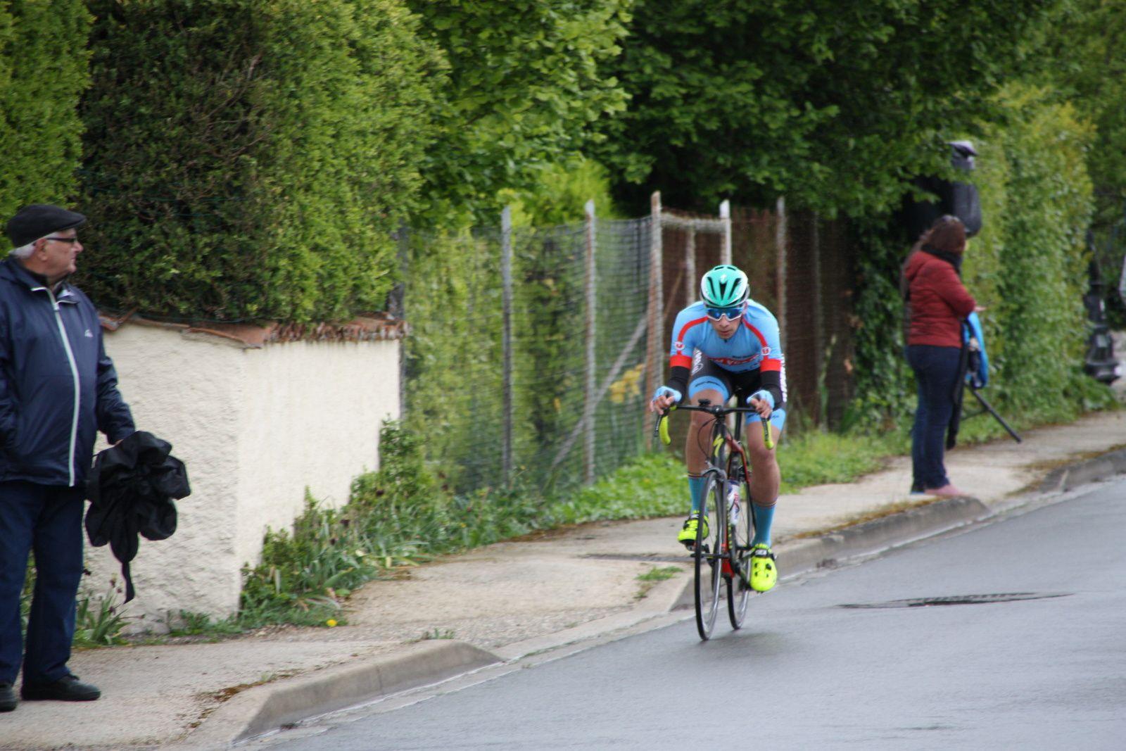 Clément  ANDREAZZA  est  le  1er  attaquant