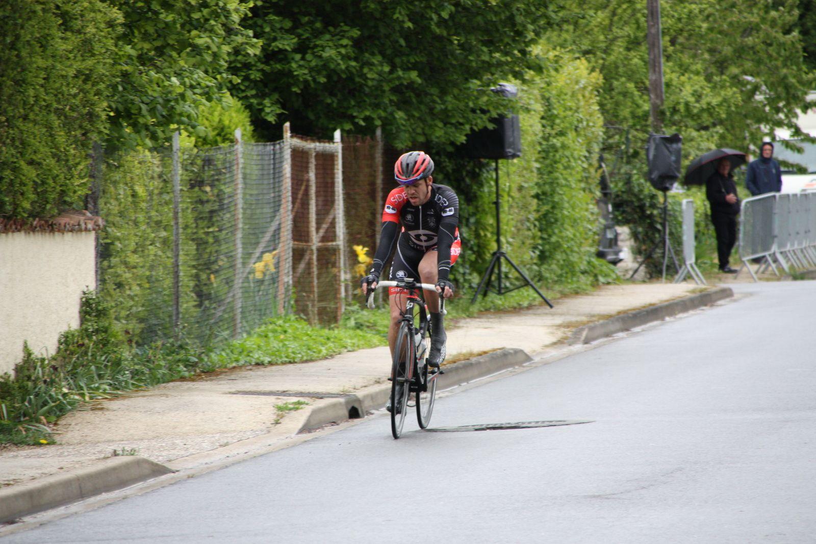 Julien  DESHAYES  remporte  le  classement  par  points.