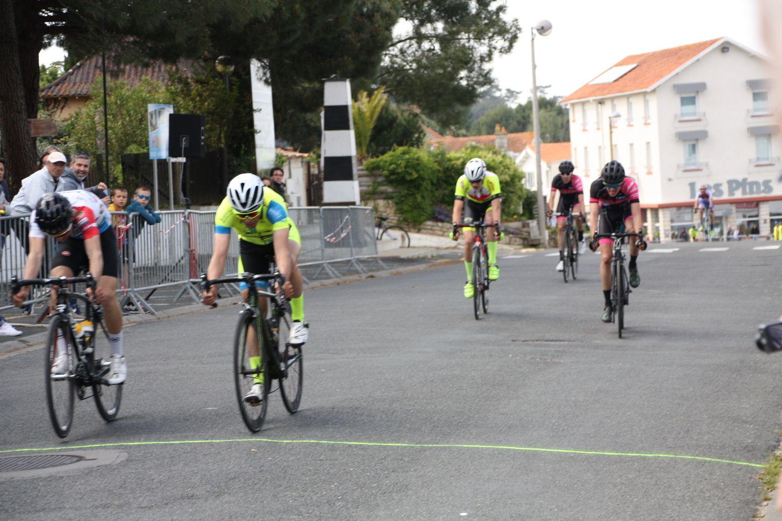 14e  Simon  BOURMAUD(VC  Charente-Océan), 15e  Laurent  PINEAU(VCC  Marennes)