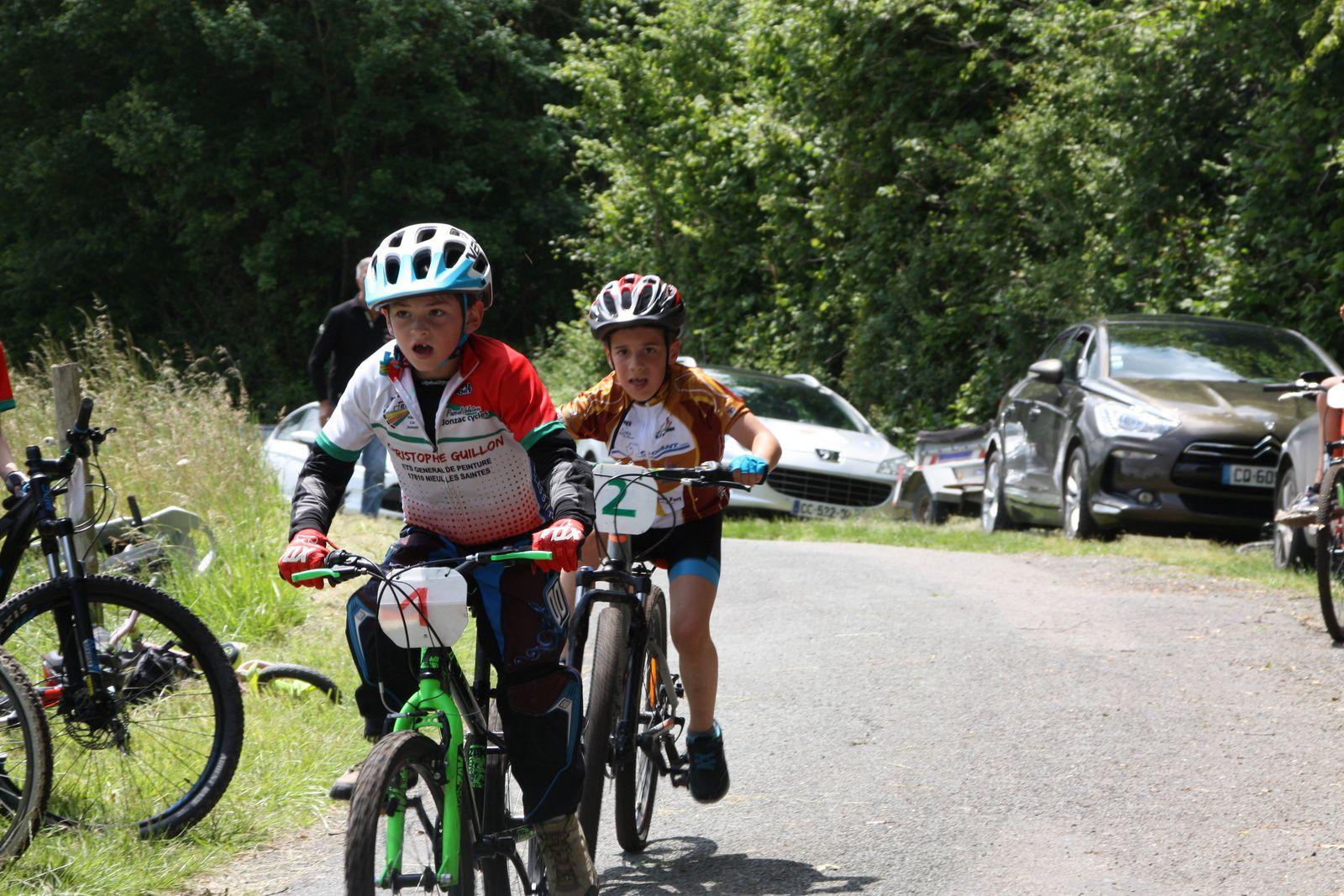 Les  poussins  et la  victoire  pour  un  jeune  du  PC  Oléron  et  la  2e  place  pour  Paulin.