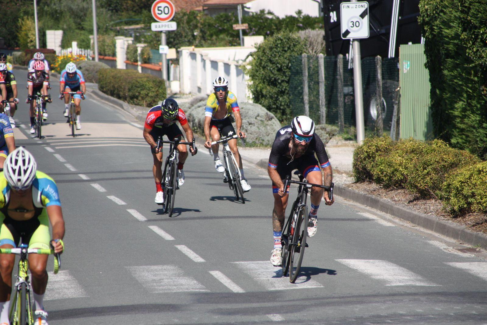 Encore  un  sprint  avec  le  barbu  Olivier  DEMOULIN