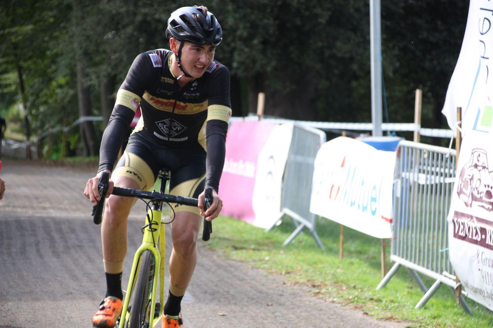 Yoann  CRON  à  repris  la  4e  place