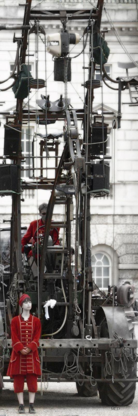 ROYAL DE LUXE LES PIONNIERS MA PREMIERE EXPOSITION EN 2006