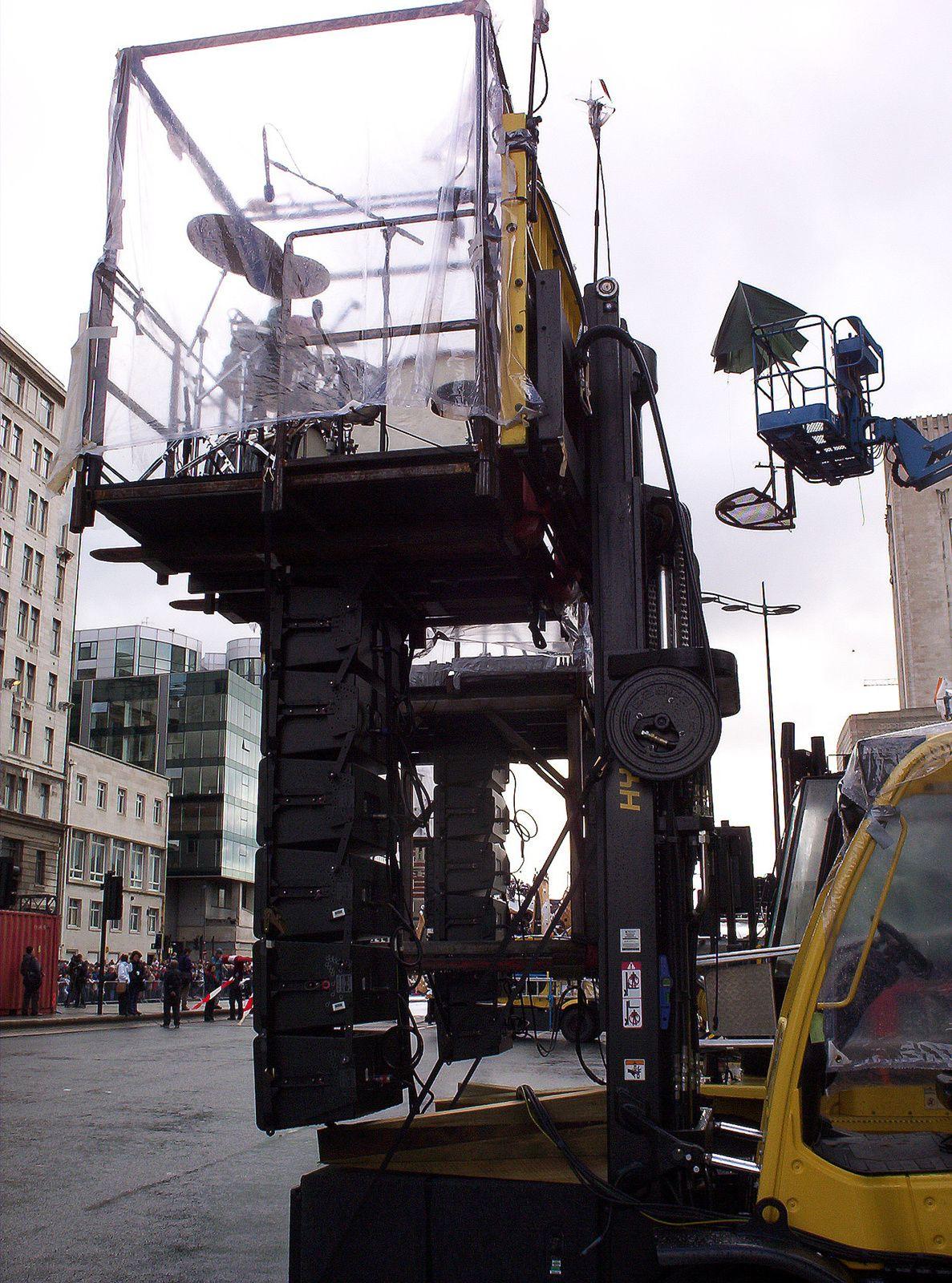 LA MACHINE. Une araignée a Liverpool  Septembre 2008.