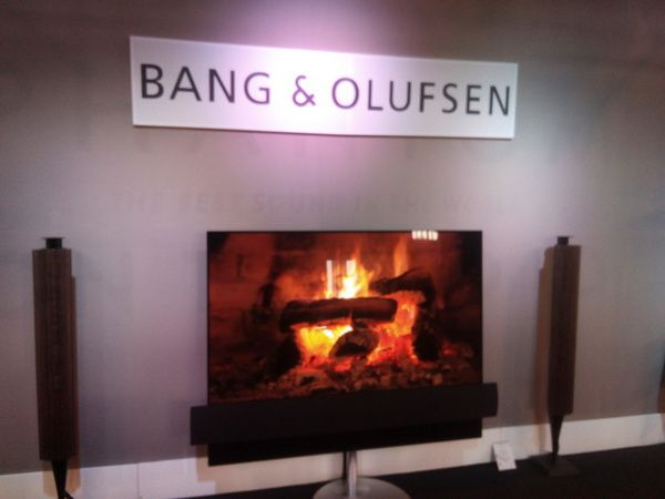 enceintes colonnes Bang & Olufsen BEOLAB 18