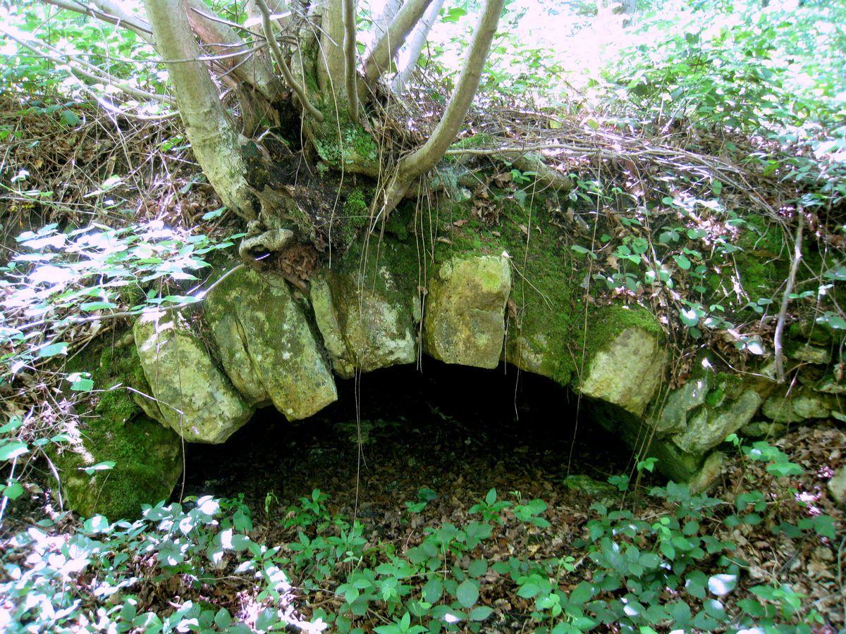 Tunnels d'eau, parc de Marly