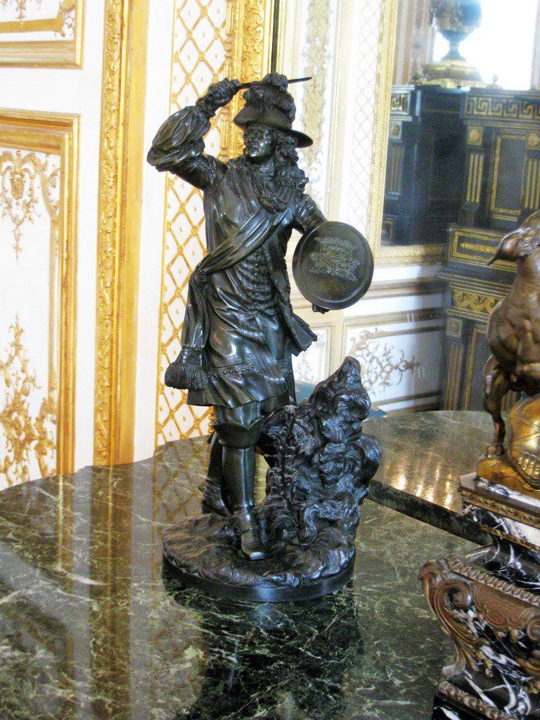 Console de la Galerie des Batailles du château de Chantilly