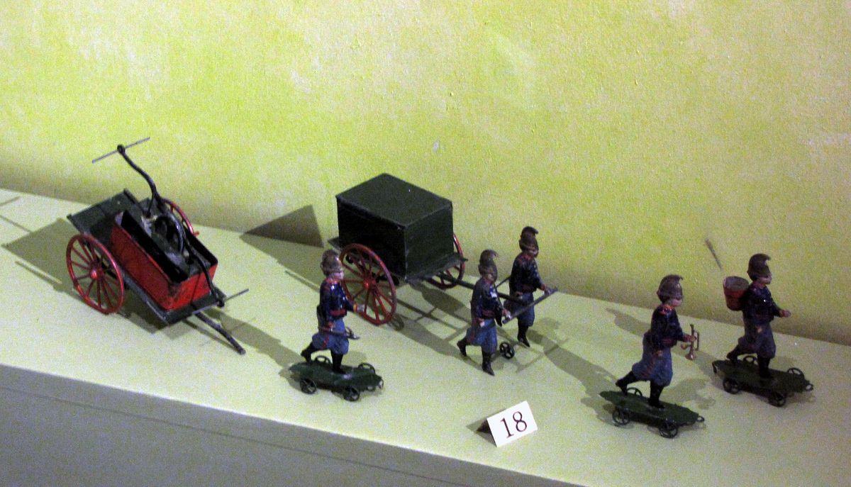 Sapeurs pompiers (Charles Rossignol), musée du jouet de Poissy