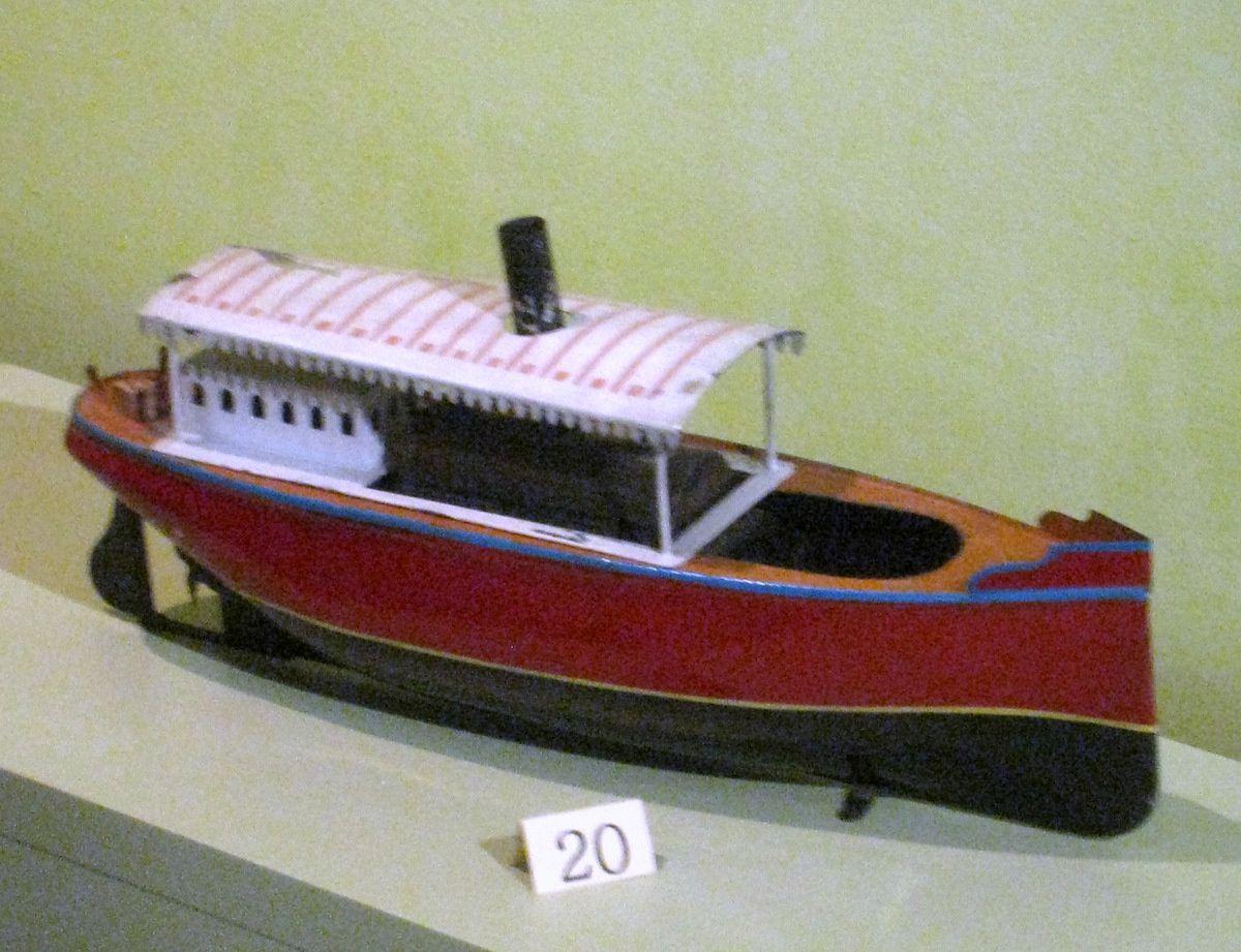 Poupée alsacienne (Eugène Constant Barrois), musée du jouet de Poissy