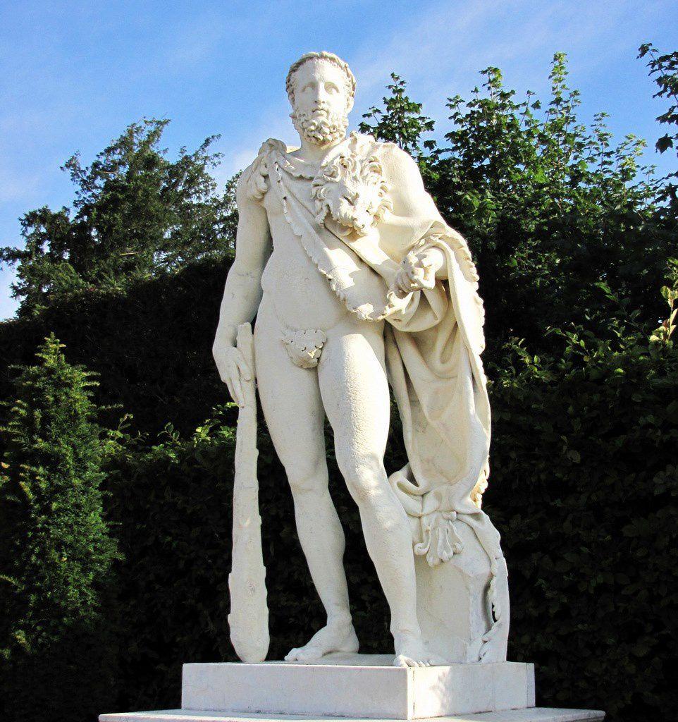 Nicolas Coustou, Hercule Commode, parc du château de Versailles