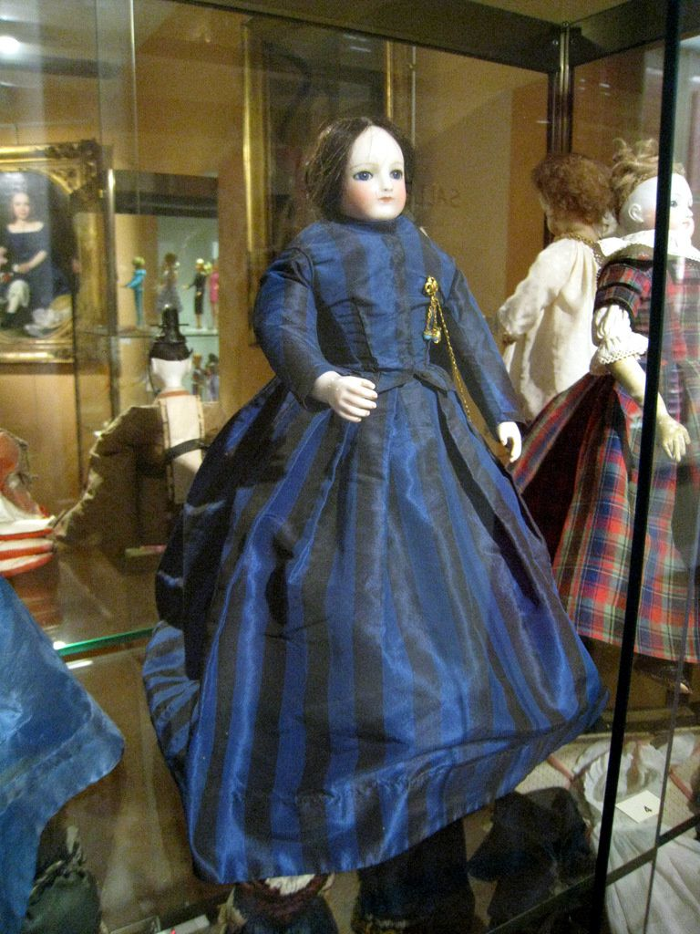 Poupée mannequin Rohmer, musée du jouet de Poissy