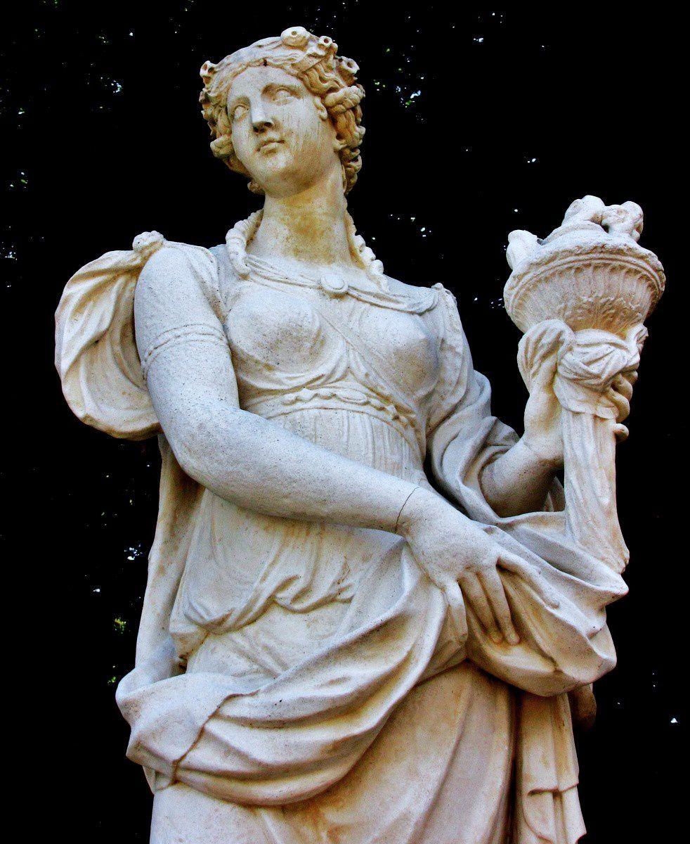 Léonard Roger, l'Asie (statue)