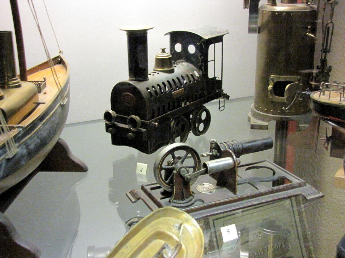 Locomotive et moteur à air chaud, Ernst Plank (Allemagne)