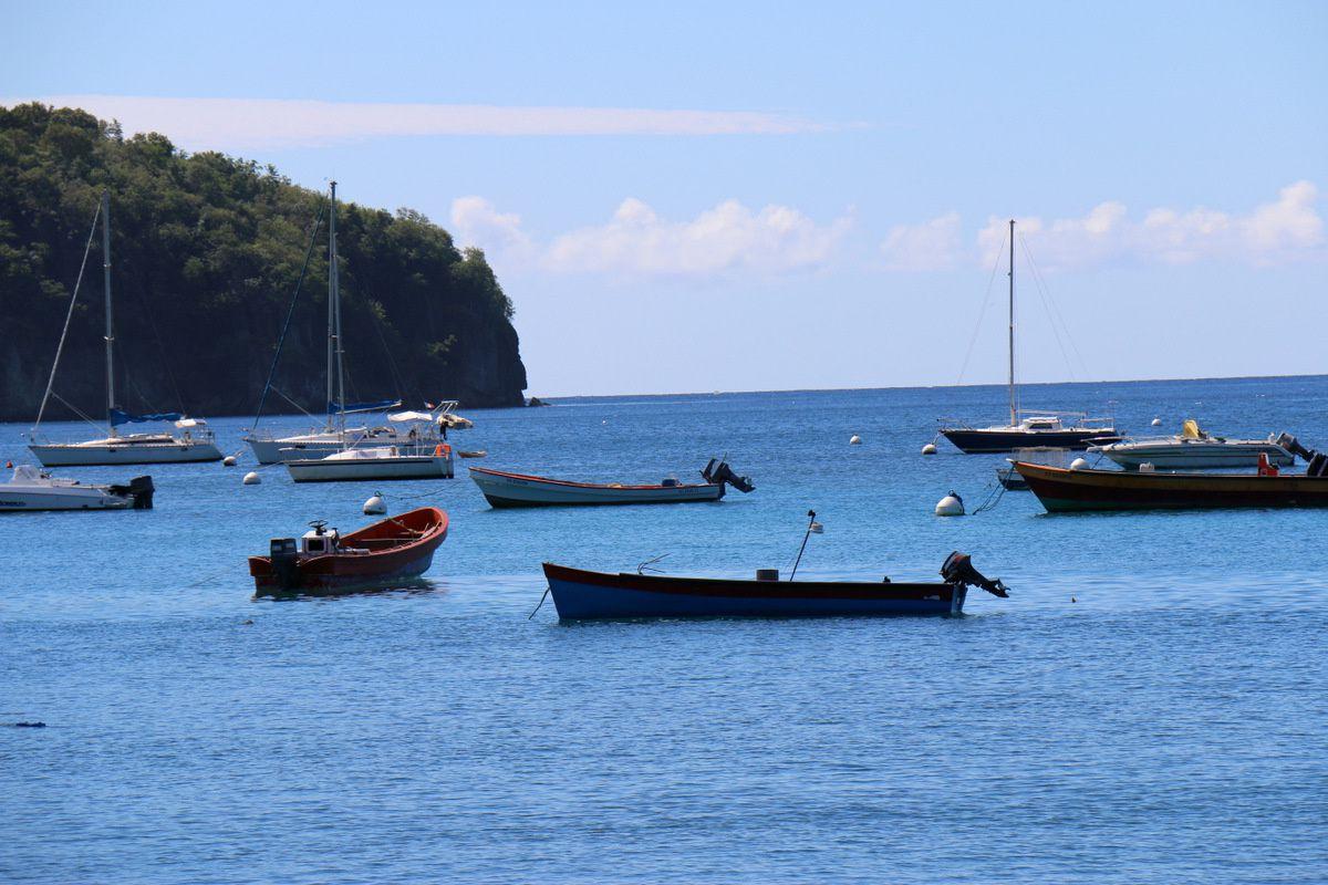 Barques de pêche aux Anses d'Arlet, Martinique