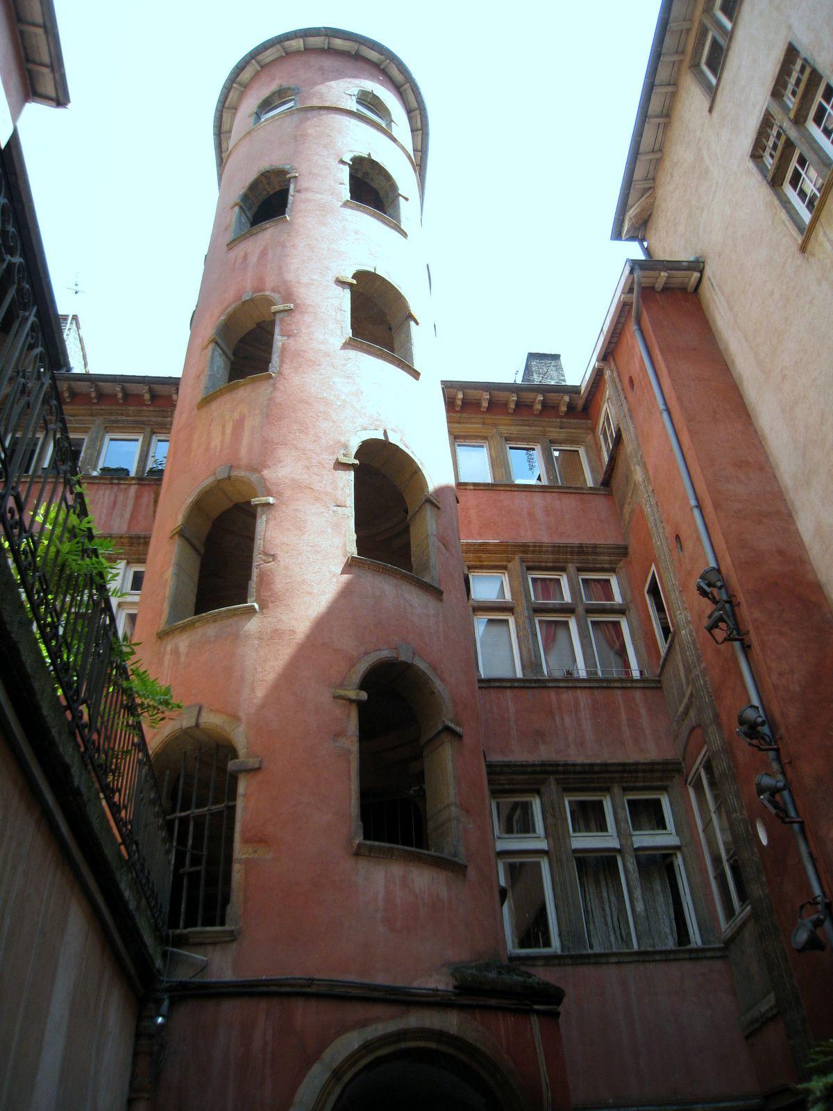 Miraboule de la Tour Rose (16 rue du Boeuf ), Lyon